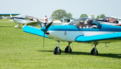 Flying In to AeroExpo UK