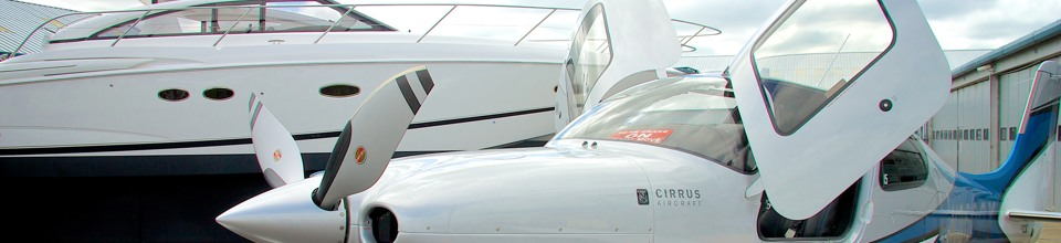 Cirrus SR22 and Yacht