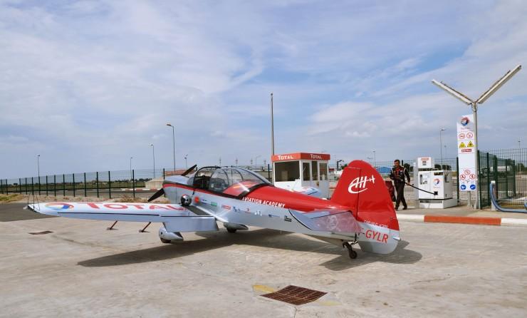 Aéroclub de Montpelier Marketing et services Sponsoring d avions de voltiges station total pour les avions privés 06 2013 France Europe